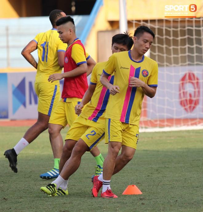 Tiến bộ thần tốc, cựu thủ môn điển trai của U23 Việt Nam vẫn khiêm tốn trước cuộc đọ sức với Hà Nội FC - ảnh 15