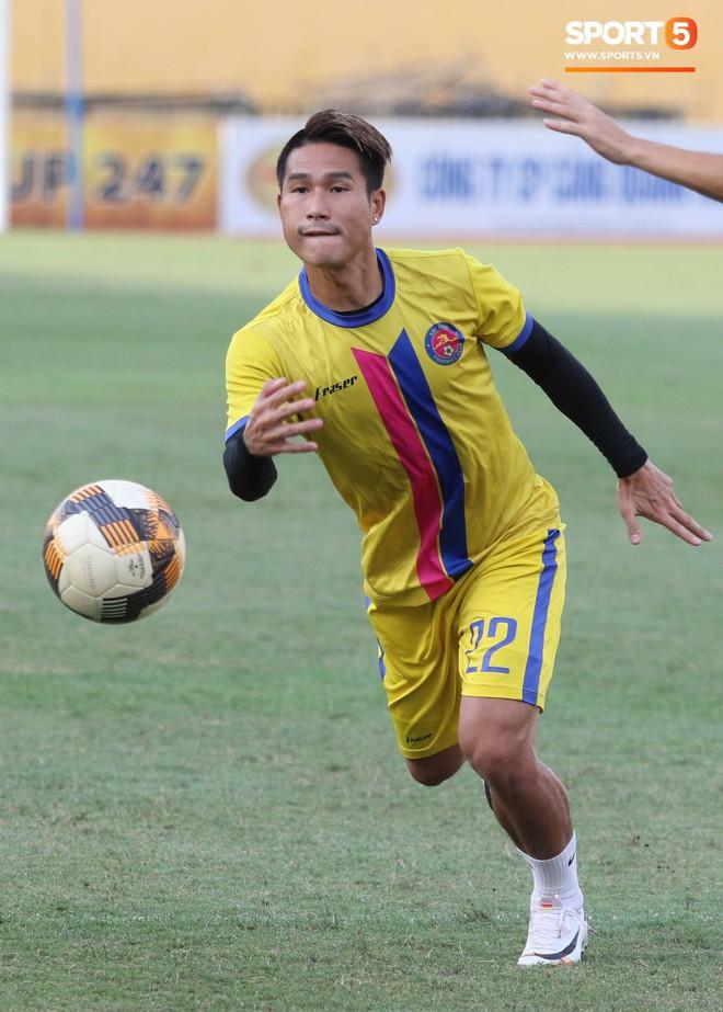 Tiến bộ thần tốc, cựu thủ môn điển trai của U23 Việt Nam vẫn khiêm tốn trước cuộc đọ sức với Hà Nội FC - ảnh 10