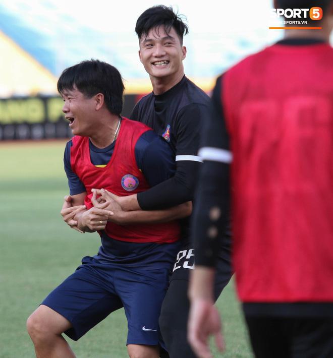 Tiến bộ thần tốc, cựu thủ môn điển trai của U23 Việt Nam vẫn khiêm tốn trước cuộc đọ sức với Hà Nội FC - ảnh 5