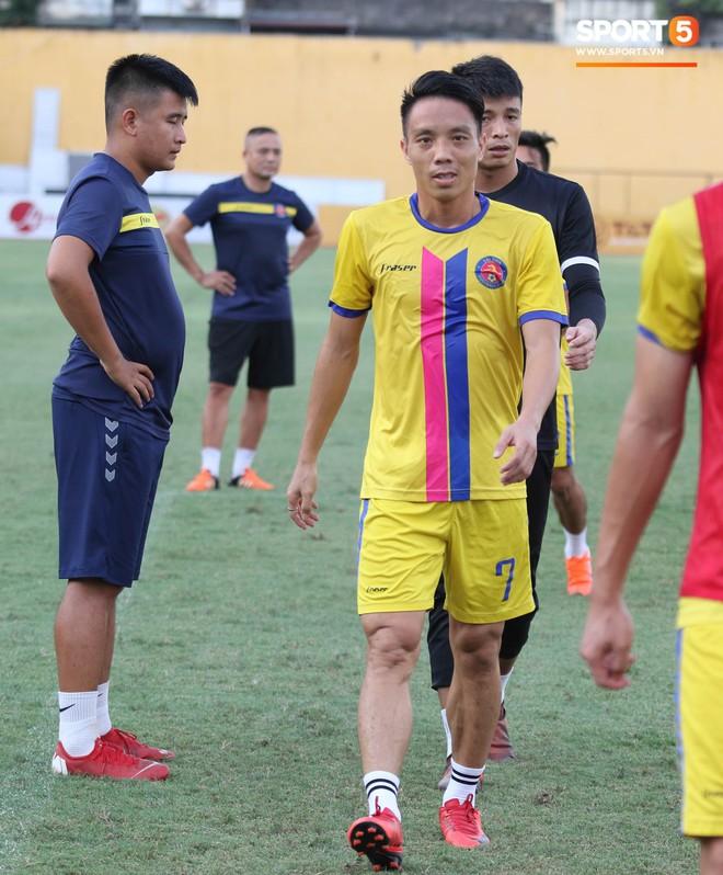 Tiến bộ thần tốc, cựu thủ môn điển trai của U23 Việt Nam vẫn khiêm tốn trước cuộc đọ sức với Hà Nội FC - ảnh 9