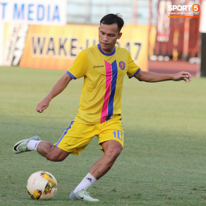 Tiến bộ thần tốc, cựu thủ môn điển trai của U23 Việt Nam vẫn khiêm tốn trước cuộc đọ sức với Hà Nội FC - ảnh 14