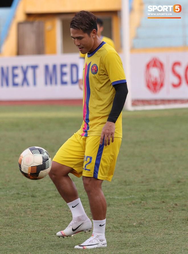Tiến bộ thần tốc, cựu thủ môn điển trai của U23 Việt Nam vẫn khiêm tốn trước cuộc đọ sức với Hà Nội FC - ảnh 11