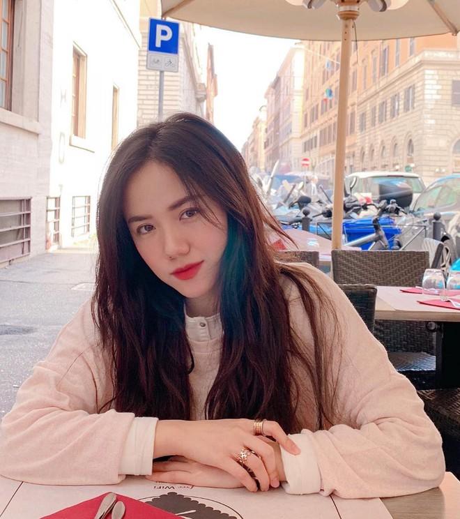 Không chỉ đẹp tựa nữ thần hay sở hữu hàng loạt bản hit, cô nàng này còn là người có tần suất du lịch đáng nể nhất showbiz Việt! - ảnh 20