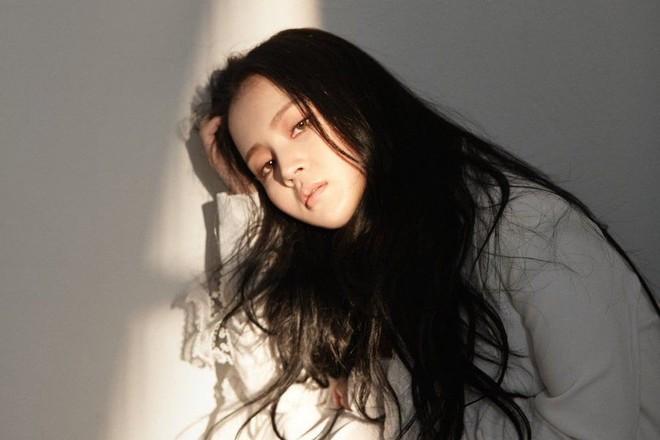 """Hậu drama B.I rời YG: Đừng vội khóc cho iKON, """"nhọ"""" nhất công ty hiện giờ phải là nghệ sĩ này! - ảnh 1"""