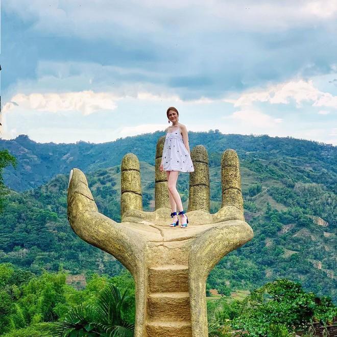"""Nổi đình nổi đám bấy lâu nay, hoá ra bàn tay sống ảo khổng lồ ở Đà Lạt chỉ là """"bản sao"""" của chỗ này! - Ảnh 5."""