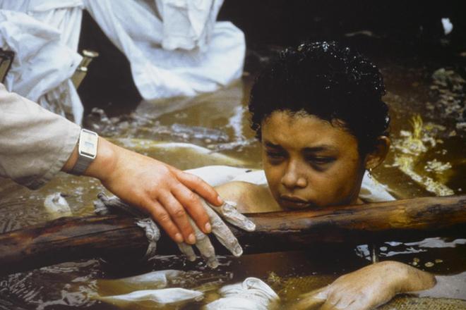 Omayra Sanchez và đôi mắt đen vô vọng - Biểu tượng của thảm hoạ tự nhiên khủng khiếp nhất lịch sử loài người - ảnh 5