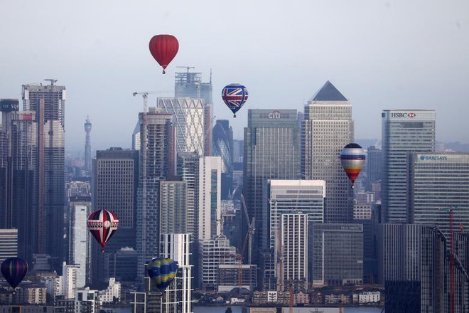 Khinh khí cầu đủ màu sắc rợp trời thủ đô London của Anh - ảnh 12