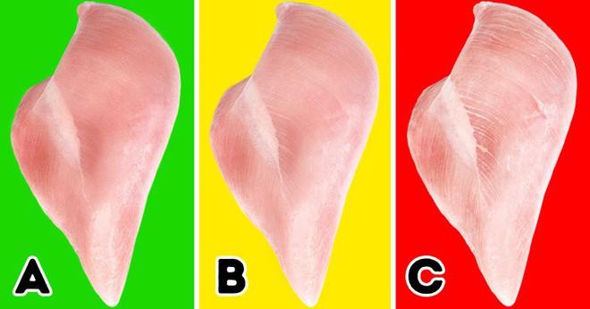Sự thật về những miếng ức gà có sọc trắng: Ăn cũng không sao, nhưng đằng sau là một sự thật đáng buồn - ảnh 3