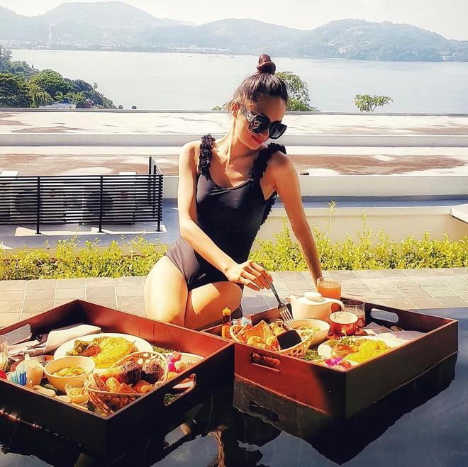 Soi bảng thành tích du lịch siêu to khổng lồ của bà mối quốc dân Hương Giang: Đến travel blogger cũng phải dè chứng vì tần suất quá khủng! - ảnh 29