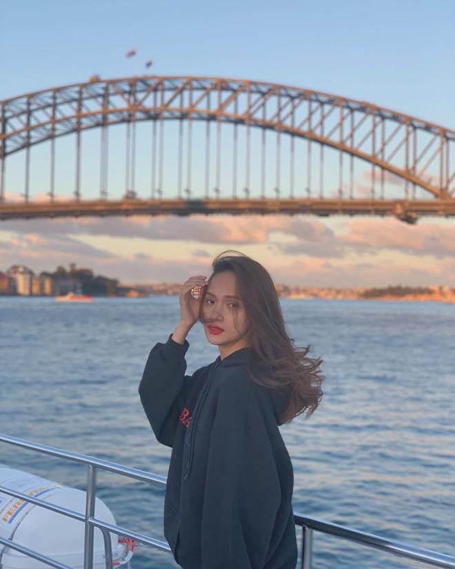 Soi bảng thành tích du lịch siêu to khổng lồ của bà mối quốc dân Hương Giang: Đến travel blogger cũng phải dè chứng vì tần suất quá khủng! - ảnh 2