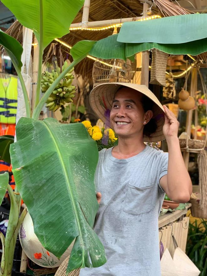 Gánh hàng nước nói không với đồ nhựa của anh chàng vừa lạ vừa quen ở Nha Trang: Thay nắp nhựa bằng... bánh tráng - ảnh 7