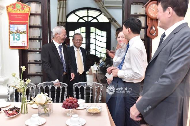 MC Phương Mai diện Áo dài đỏ, rạng rỡ trong lễ ăn hỏi với ông xã người Ba Lan - ảnh 3