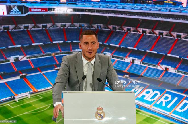 50.000 CĐV nô nức tới thánh địa Bernabeu để theo dõi màn ra mắt của siêu sao Eden Hazard - cầu thủ đắt giá nhất lịch sử Real Madrid - ảnh 13