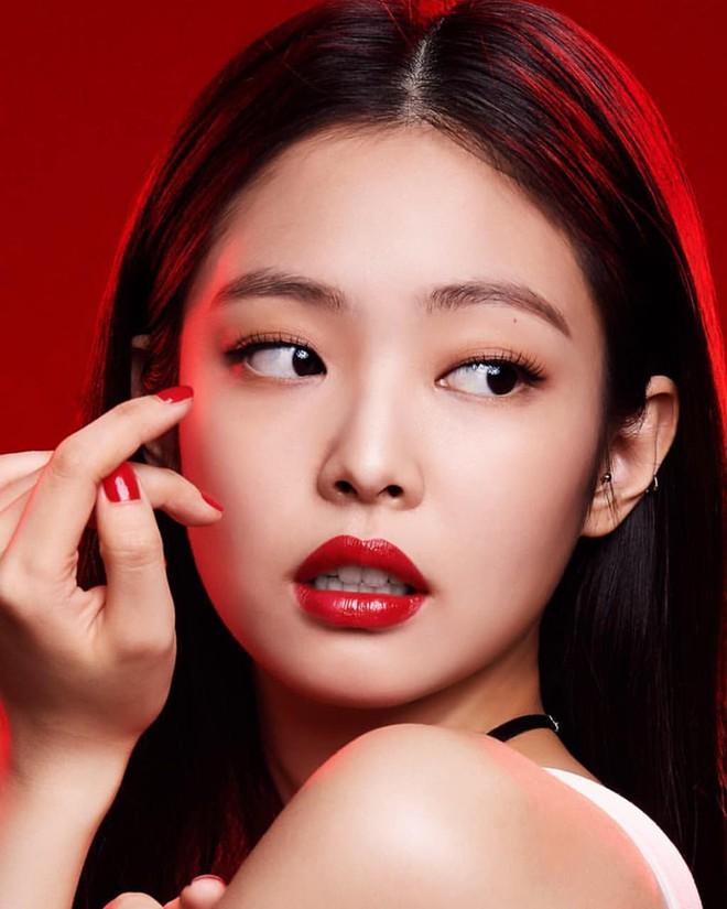 Top 30 idol nữ hot nhất Kpop: Jennie (BLACKPINK) lấn át nữ thần SM, hạng 4 và 5 bất ngờ nhưng Lisa còn khó hiểu hơn - ảnh 1