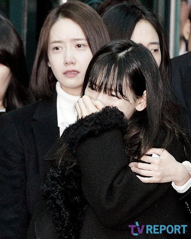 Taeyeon (SNSD) gây sốc khi tiết lộ bị trầm cảm đến mức phải dùng thuốc, fan lo lắng nghĩ tới vụ tự tử của Jonghyun - ảnh 11