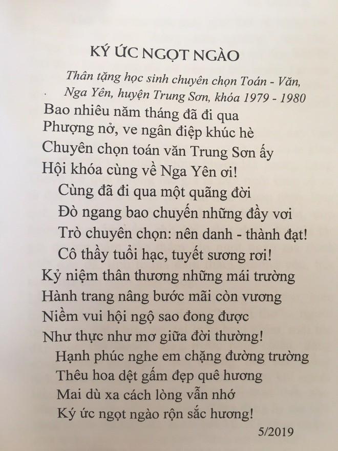 Lớp học ra trường 40 năm đăng ảnh về họp lớp không thiếu một ai, nhưng xúc động nhất vẫn là bài thơ của cô giáo cũ - Ảnh 4.