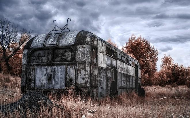 Từ vùng đất ma không ai dám bén mảng, nhà máy điện hạt nhân Chernobyl bỗng hóa xứ sở thần tiên đẹp lịm tim qua lăng kính của nhiếp ảnh gia - ảnh 28