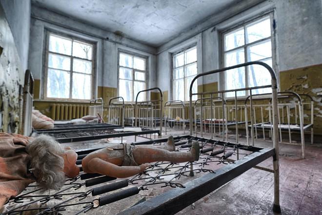 Từ vùng đất ma không ai dám bén mảng, nhà máy điện hạt nhân Chernobyl bỗng hóa xứ sở thần tiên đẹp lịm tim qua lăng kính của nhiếp ảnh gia - ảnh 5