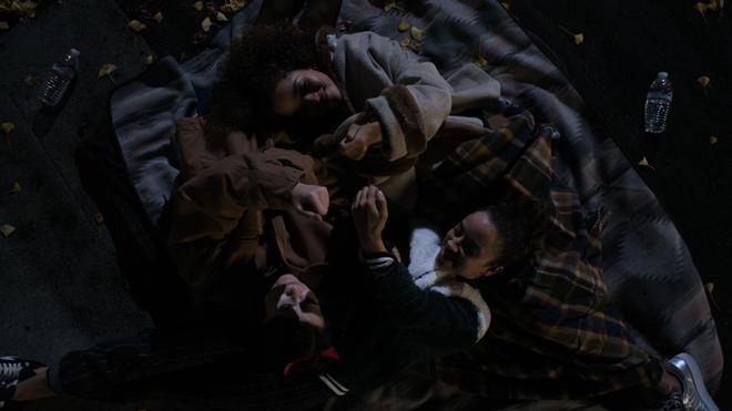 Thích xem phim teen nhưng quá mệt mỏi với drama ba xu, còn chờ gì mà mau xem ngay Trinkets! - ảnh 23