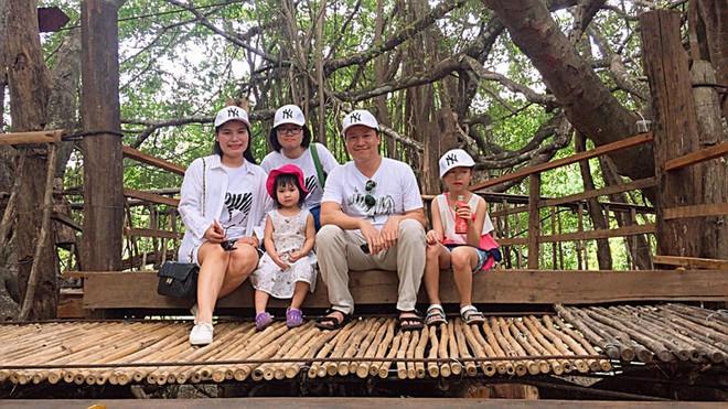 Chuyện những người mẹ ở Hà Nội lo con đi học lớp 10 xa nhà hơn chục km: Người lớn mang cái quyền làm mẹ áp đặt con nhiều quá - ảnh 3