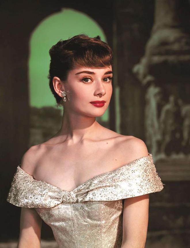 5 tượng đài nhan sắc của Hollywood thập niên xưa: Đẹp như các vị thần, nữ thần, hoa hậu ngày nay khó đạt đến đẳng cấp này! - ảnh 8