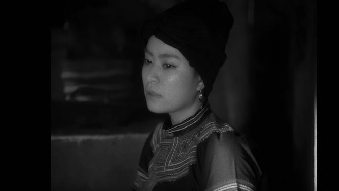 Gần 1 triệu sĩ tử thi Đại học năm nay đang đua nhau share MV mới của Hoàng Thuỳ Linh chỉ vì lý do này - ảnh 1