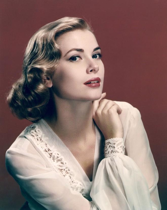 5 tượng đài nhan sắc của Hollywood thập niên xưa: Đẹp như các vị thần, nữ thần, hoa hậu ngày nay khó đạt đến đẳng cấp này! - ảnh 44
