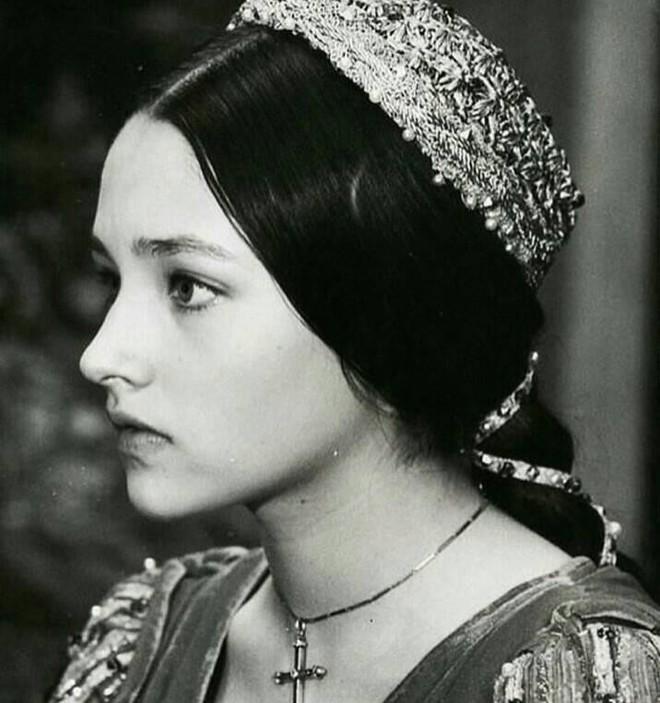 5 tượng đài nhan sắc của Hollywood thập niên xưa: Đẹp như các vị thần, nữ thần, hoa hậu ngày nay khó đạt đến đẳng cấp này! - ảnh 20