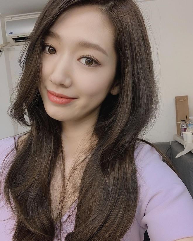 Được khen lột xác nhờ tóc ngắn, ai ngờ Park Shin Hye vừa đổi lại tóc dài đã đạt đến đẳng cấp nhan sắc mới! - ảnh 3