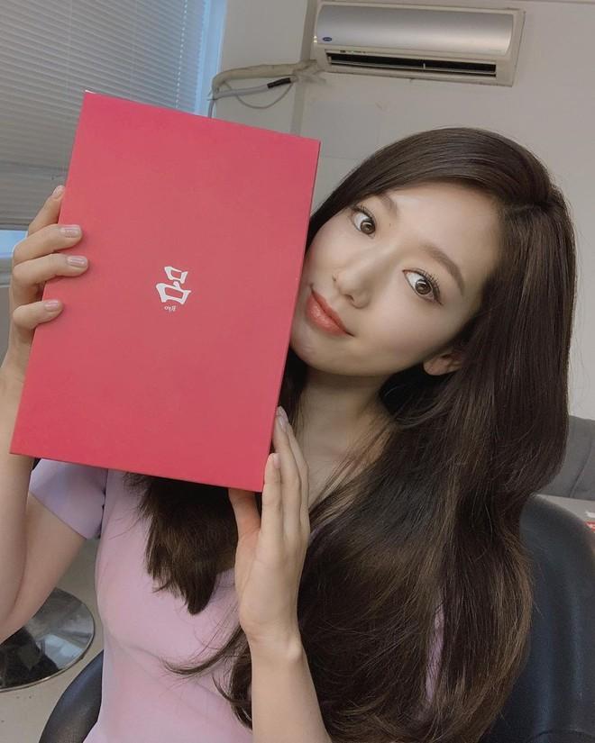 Được khen lột xác nhờ tóc ngắn, ai ngờ Park Shin Hye vừa đổi lại tóc dài đã đạt đến đẳng cấp nhan sắc mới! - ảnh 6