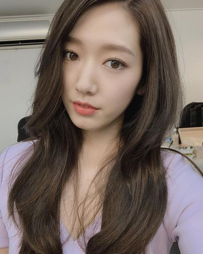 Được khen lột xác nhờ tóc ngắn, ai ngờ Park Shin Hye vừa đổi lại tóc dài đã đạt đến đẳng cấp nhan sắc mới! - ảnh 2