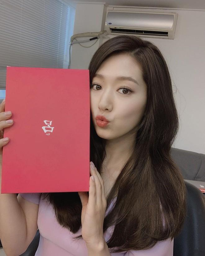 Được khen lột xác nhờ tóc ngắn, ai ngờ Park Shin Hye vừa đổi lại tóc dài đã đạt đến đẳng cấp nhan sắc mới! - ảnh 4