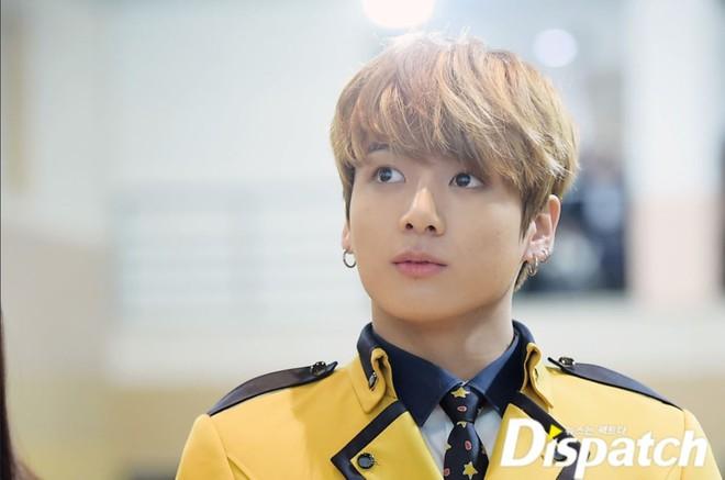 Muôn kiểu sao Hàn gây náo loạn khi đến trường: Sương sương đi học, đi thi thôi mà như dự sự kiện, đẹp tựa cảnh phim - Ảnh 31.