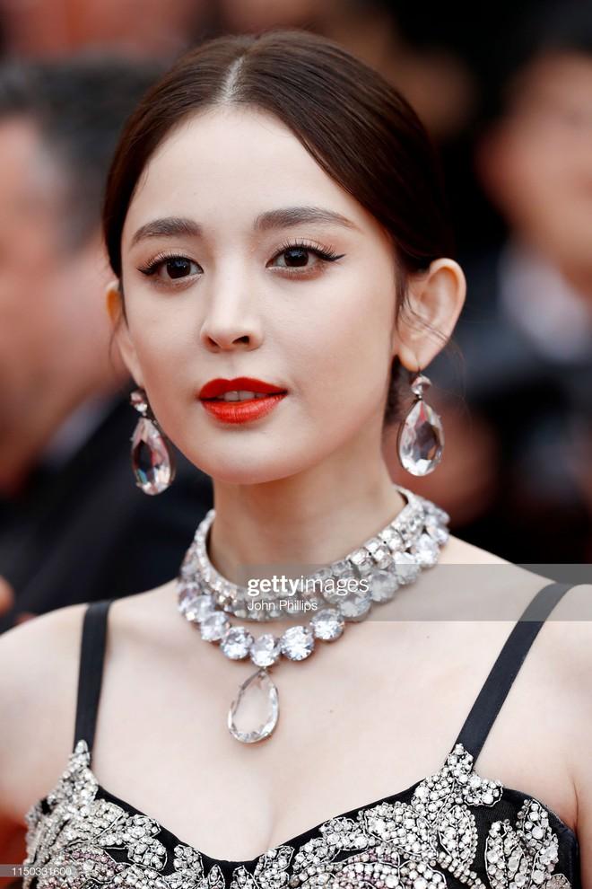 Lộ diện Tứ đại nữ thần 2019: Lưu Diệc Phi giữ chắc ngôi vị, duy nhất Yoona đến từ xứ Hàn lọt top - ảnh 2