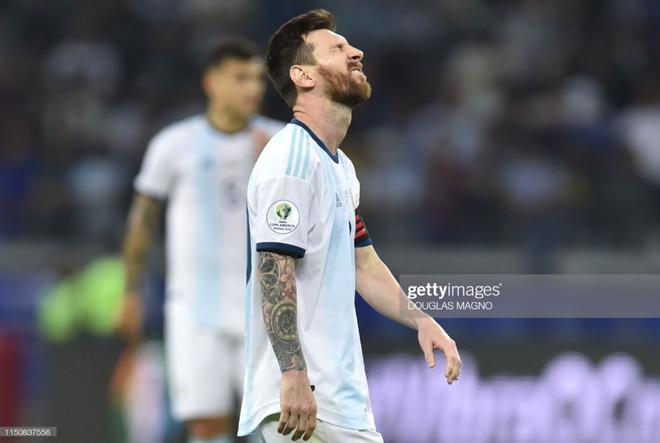 Nổi tiếng khô khan và rụt rè, Messi cuối cùng cũng chiều fan bằng hành động ăn mừng bàn thắng chưa từng làm trong suốt sự nghiệp - Ảnh 8.