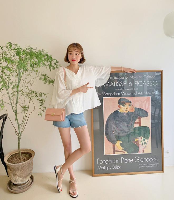 Đẹp khoe xấu che: Để không lộ bắp tay đẫy đà như Á hậu Diễm Trang, chị em nên sắm ngay 5 kiểu áo sau - ảnh 11