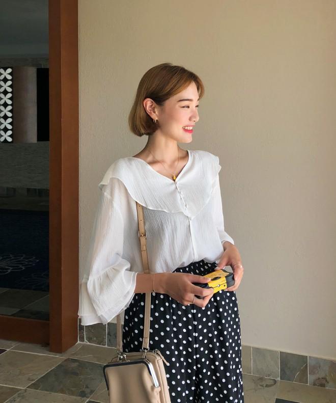 Đẹp khoe xấu che: Để không lộ bắp tay đẫy đà như Á hậu Diễm Trang, chị em nên sắm ngay 5 kiểu áo sau - ảnh 10