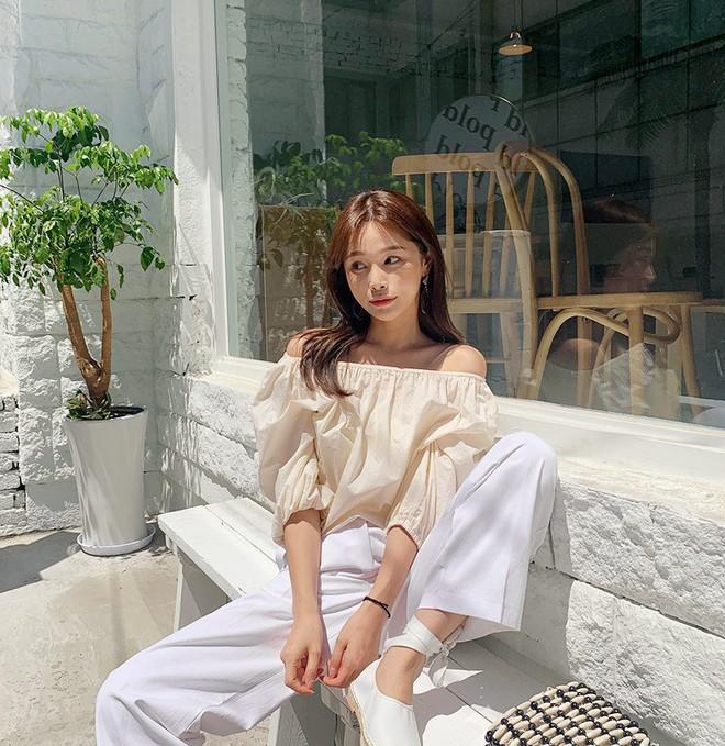 Đẹp khoe xấu che: Để không lộ bắp tay đẫy đà như Á hậu Diễm Trang, chị em nên sắm ngay 5 kiểu áo sau - ảnh 16