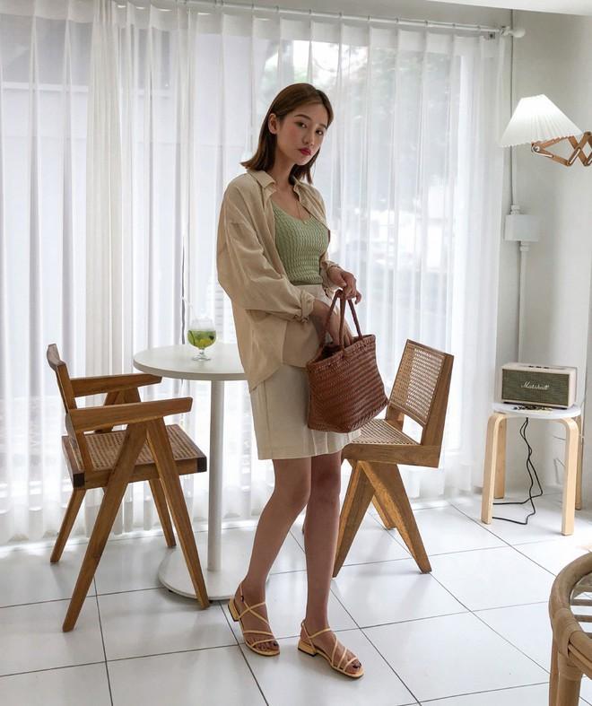 Đẹp khoe xấu che: Để không lộ bắp tay đẫy đà như Á hậu Diễm Trang, chị em nên sắm ngay 5 kiểu áo sau - ảnh 17