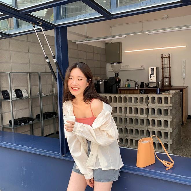 Đẹp khoe xấu che: Để không lộ bắp tay đẫy đà như Á hậu Diễm Trang, chị em nên sắm ngay 5 kiểu áo sau - ảnh 20