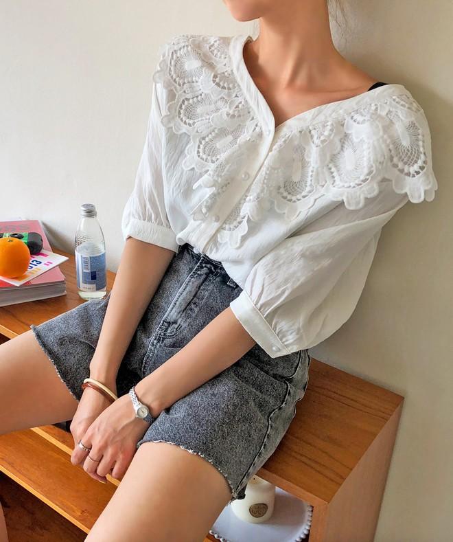 Đẹp khoe xấu che: Để không lộ bắp tay đẫy đà như Á hậu Diễm Trang, chị em nên sắm ngay 5 kiểu áo sau - ảnh 5