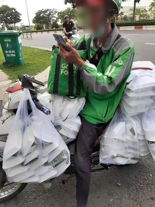 Xuất hiện câu chuyện nữ sinh Sài Gòn boom 150 hộp cơm và 22 ly trà sữa khiến dân mạng tranh cãi: Trò ác lặp lại hay chỉ câu like? - ảnh 2