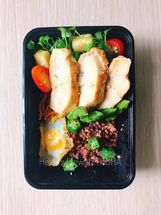 Nhờ kết hợp tập luyện với Eat Clean, cô gái Hà Nội đã giảm 8kg và 18cm vòng bụng chỉ trong 3 tháng - ảnh 21