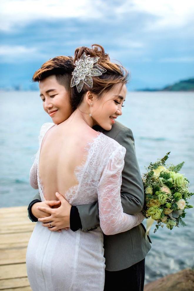 Khi gái đẹp yêu nhau: Hết tiếng sét ái tình giữa 2 hot girl nóng bỏng tới sẵn sàng cho một đám cưới trong mơ - ảnh 24