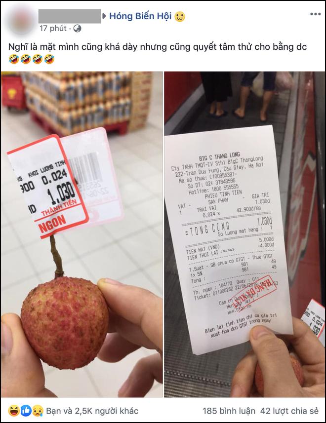 Nam thanh niên lầy lội vào siêu thị chỉ mua 1 quả vải, thanh toán 1.030 đồng làm dân mạng cười ra nước mắt - ảnh 1