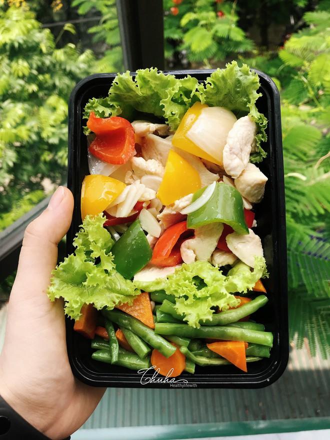 Nhờ kết hợp tập luyện với Eat Clean, cô gái Hà Nội đã giảm 8kg và 18cm vòng bụng chỉ trong 3 tháng - ảnh 13