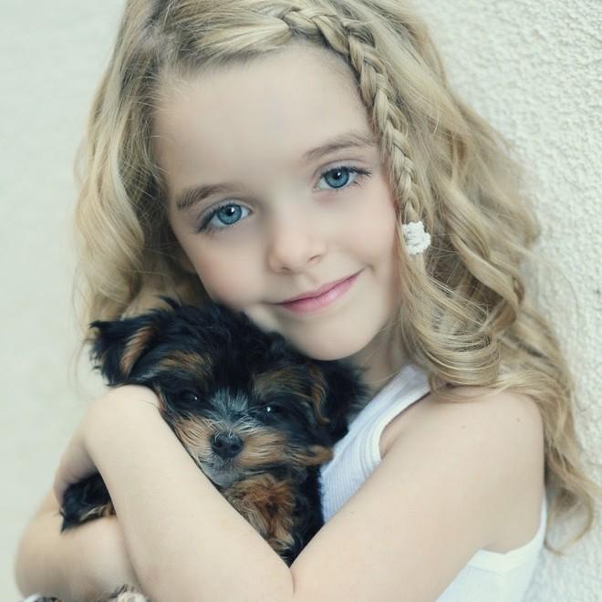 Gặp gỡ bé gái ngủ cùng Annabelle Mckenna Grace: Xinh xắn tựa thiên thần, là bạn diễn của Chris Evans - Ảnh 14.