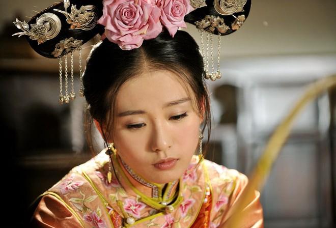 3 diễn viên lạ đời nhất làng phim Hoa Ngữ: Làm mỹ nhân cổ trang đẹp nhức nách nhưng cứ đóng phim hiện đại nhìn như osin - ảnh 5