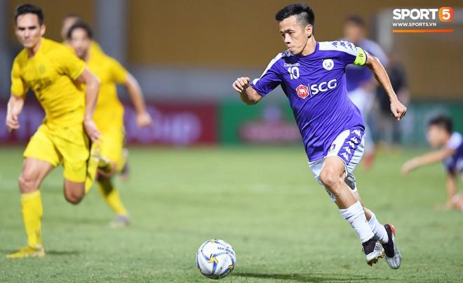 Văn Quyết gia nhập CLB 100 trong ngày Hà Nội FC tạo nên lịch sử ở đấu trường châu lục - Ảnh 1.