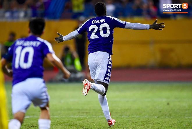 Văn Quyết gia nhập CLB 100 trong ngày Hà Nội FC tạo nên lịch sử ở đấu trường châu lục - Ảnh 6.
